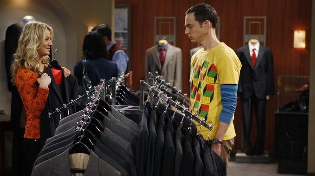 Sheldon (Jim Parsons, r.) hat den Wissenschaftspreis gewonnen und muss nun ei...