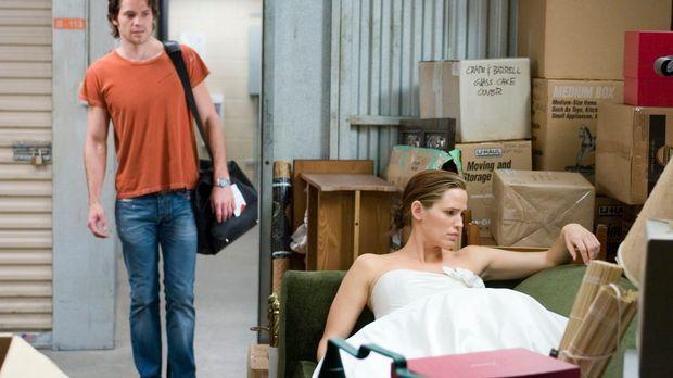 Nach dem Tod ihres Verlobten erfährt Gray (Jennifer Garner, r.) vom notorisch...