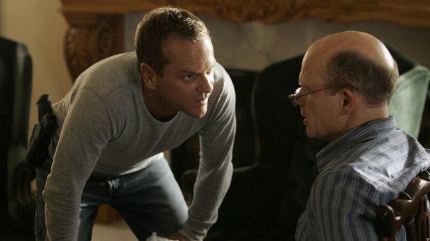 Auf der Suche nach den weiteren Bomben stößt Jack (Kiefer Sutherland, l.) auf...