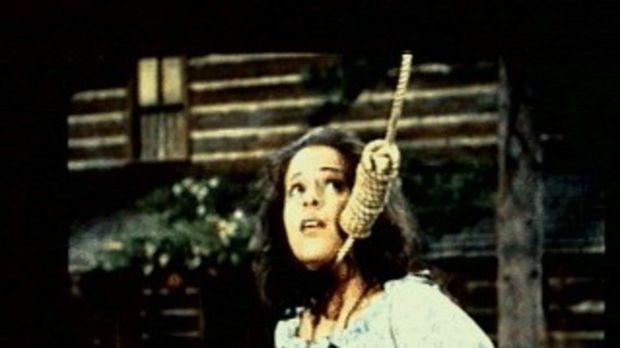 Marie (Louise Sorel) wurde von den Männern eines Wagenzuges in der Wildnis au...