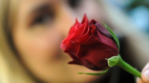 Valentinstagsgeschenke für ihn_dpa