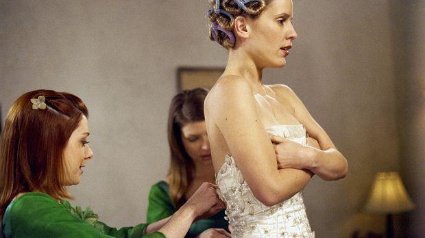 Am Tag der Hochzeit wird die Zukünftige, Anya (Emma Caulfield, r.), von Willo...