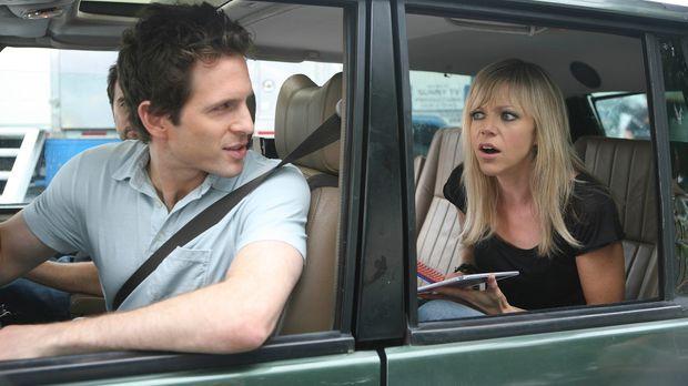 Als Dee (Kaitlin Olson, r.) eine Hochzeit verhindern will, ist sogar Dennis (...