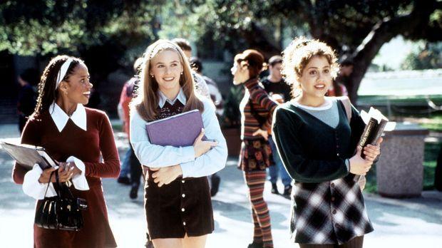Ihr Catwalk ist der Schulweg: Cher (Alicia Silverstone, M.), Tai (Brittany Mu...