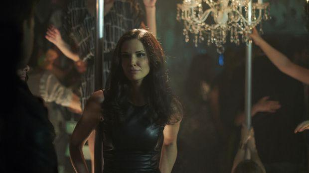 Kann sich die Gedanken manipulierende Nina (Laura Mennell) wieder in Dr. Rose...