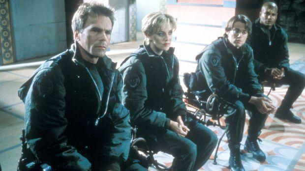 Colonel Jack O'Neill (Richard Dean Anderson, l.), Major Samantha Carter (Aman...