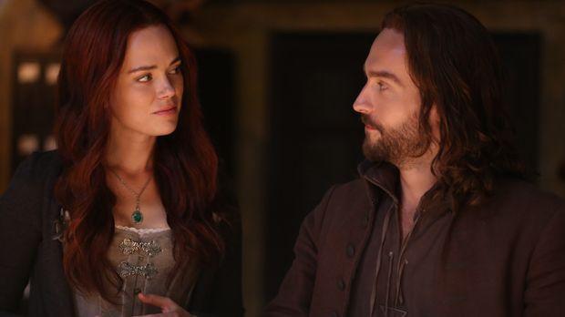 Gemeinsam müssen Katrina (Katia Winter, l.) und Ichabod (Tom Mison, r.) erneu...