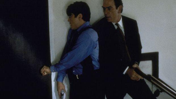 Auf der Jagd nach dem flüchtigen Verbrecher Mark Sheridan: Chief Deputy Marsh...