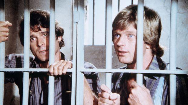 Almanzo Wilder (Dean Butler, r.) und John Carter (Stan Ivar, l.) sitzen hinte...