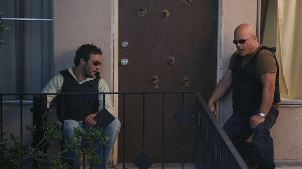 In der Wohnung eines Dealers entdecken Detektive Kevin Hiatt (Alex O'Loughlin...
