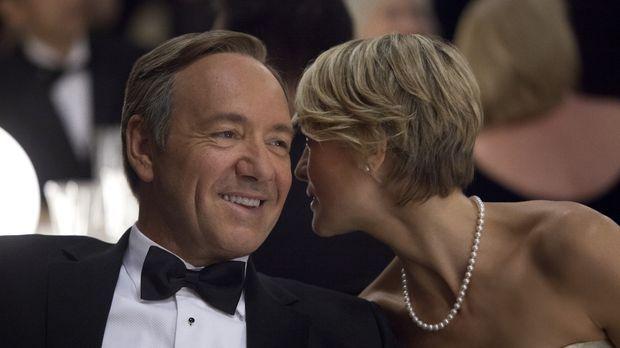 Der Washingtoner Elite spielen Underwood (Kevin Spacey, l.) und seine Frau Cl...