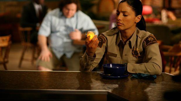 Sorgt für Ordnung in Eureka: Lupo (Erica Cerra) ... © Universal Television