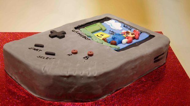 """Sabrinas """"Gameboy Cake"""""""
