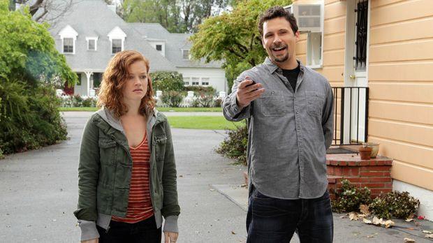 Tessa (Jane Levy, l.) ist allein bei ihrem Vater George (Jeremy Sisto, r.) au...