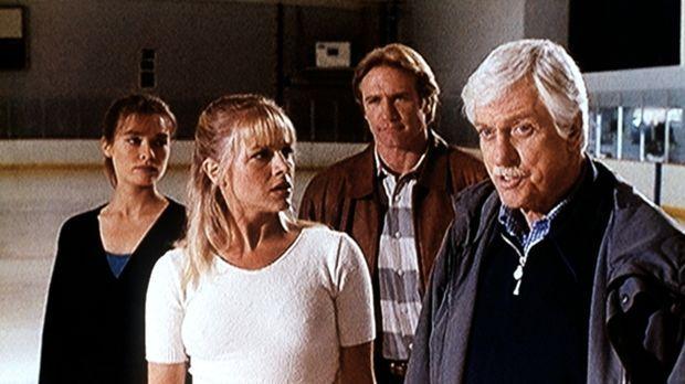 Mark (Dick Van Dyke, r.) und Steve (Barry Van Dyke, 2.v.r.) versuchen zu ergr...