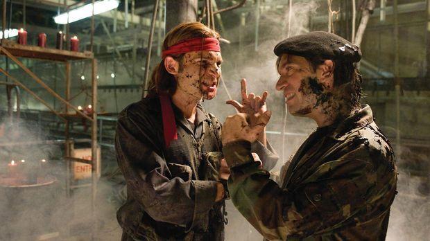 Die berüchtigten Vampirjäger Edgar (Corey Feldman, l.) und Alan Frog (Jamison...