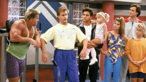 Im Fitness-Wahn: Joey (Dave Coulier, 2.v.l.), Jesse (John Stamos, 3.v.l.), Mi...