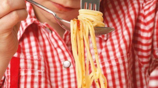 nudeln-spaghetti2-MEV-Verlag 1600 x 900