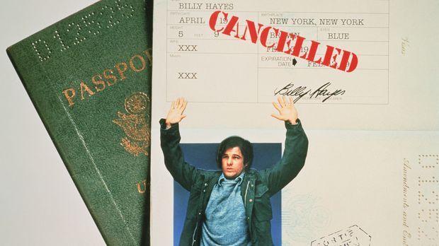 Billy Hayes (Brad Davis) wird auf dem türkischen Flughafen erwischt, als er 2...