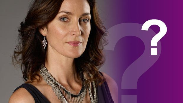 Carrie-Anne-Moss-Antworten-620-348-Tandem-Productions-GmbH-TF1-Productions-SAS