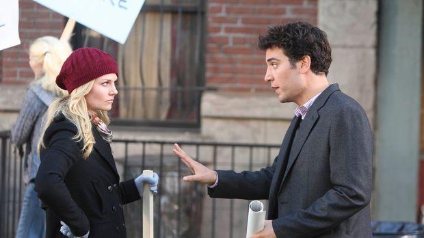 Ted (Josh Radnor, r.) lernt die sympathische Aktivistin Zoey (Jennifer Morris...