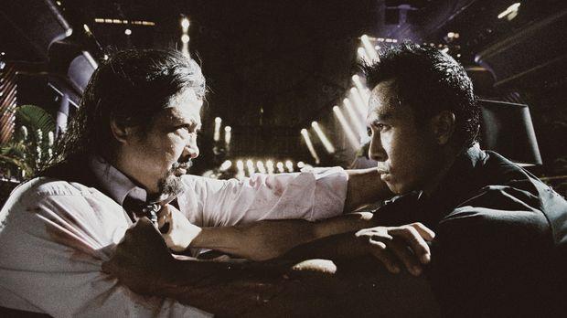 Zunächst ist Inspektor Ma Kwan (Donnie Yen, r.) ziemlich erschrocken über die...