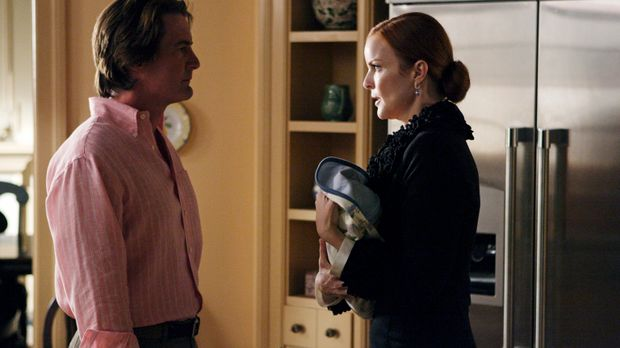 Während Bree (Marcia Cross, r.) und Orson (Kyle MacLachlan, l.) in Streit dar...