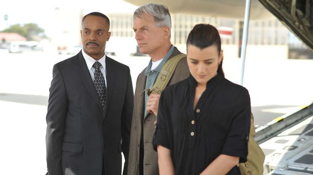 Der Fall bereitet ihnen Kopfzerbrechen: Leon Vance (Rocky Carroll, M.), Gibbs...