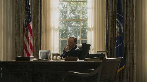 Schnell wird Neu-Präsident Frank (Kevin Spacey) klar, dass selbst der mächtig...