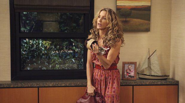 Während Detective Chuck Vance anfängt, Bree zu bedrängen, da er immer mehr de...
