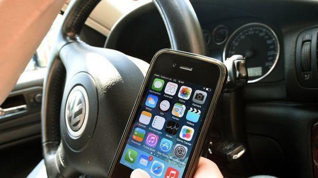 smartphone-auto-steuer-dpa