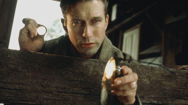 Detective Barnes (Stephen Baldwin) wird seit langem von Albträumen geplagt. D...