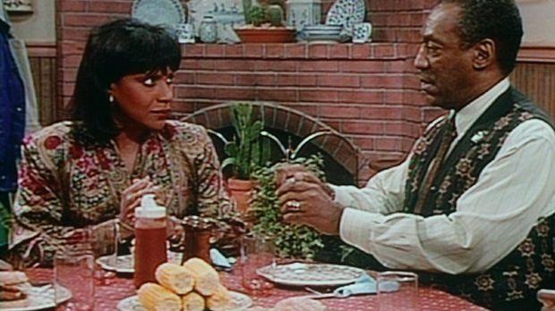 Clair (Phylicia Rashad, l.) und Cliff (Bill Cosby, r.) verabreden, dass sie i...