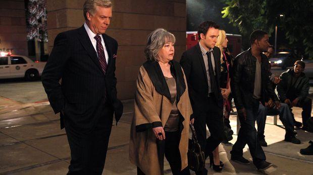Harry's Law - Kämpfen für die Gerechtigkeit: Harriet (Kathy Bates, 2.v.l.), A...