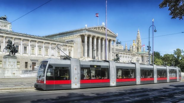 Wien Zug Tram Reise Pixabay