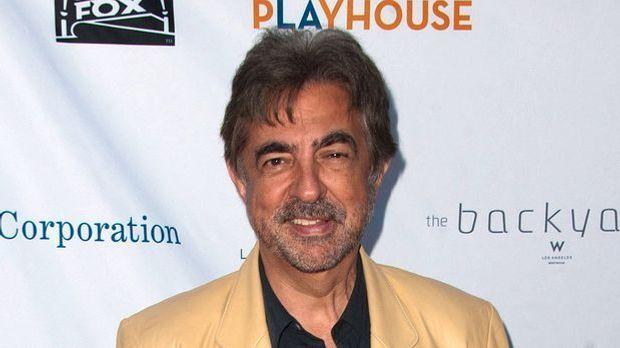 Joel Mantegna