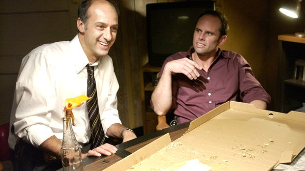 Det Steve Billings (David Marciano, l.) arbeitet zusammen mit Det. Shane Vend...