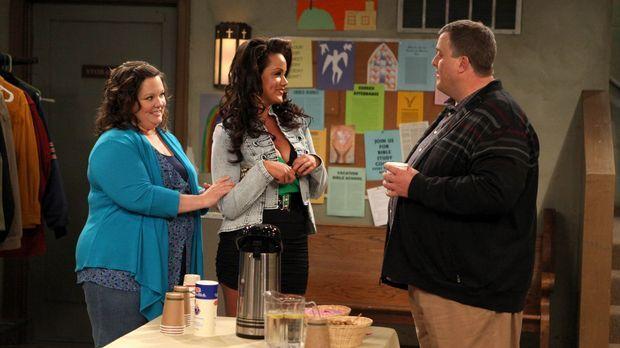 Bei einem Treffen für Übergewichtige lernt Mike (Billy Gardell, r.) Molly (Me...