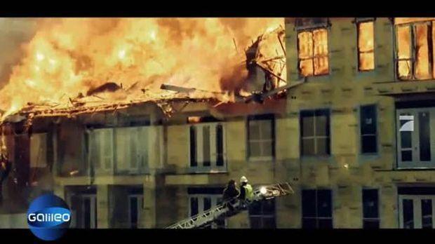 Flucht aus brennendem Haus