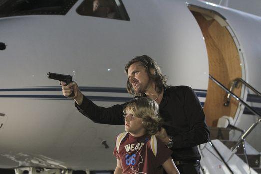 Criminal Minds - Kann das Team Declan (Conrad Bluth, r.) aufhalten, um Lachla...