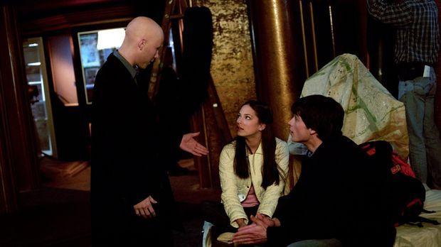 Noch ahnen Clark (Tom Welling, r.) und Lana (Kristin Kreuk, M.) nicht, dass e...