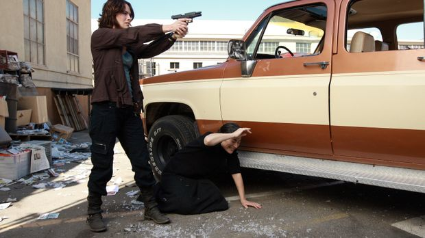 Sarah (Lena Headey, l.) ist besessen von den drei Punkten. Kann Alan Park (Di...