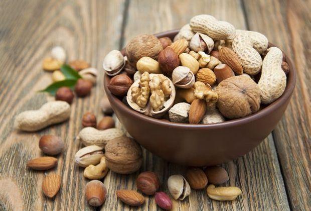 Nüsse sind ein knuspriger Ersatz für die allseits bekannten Dickmacher. Sie e...