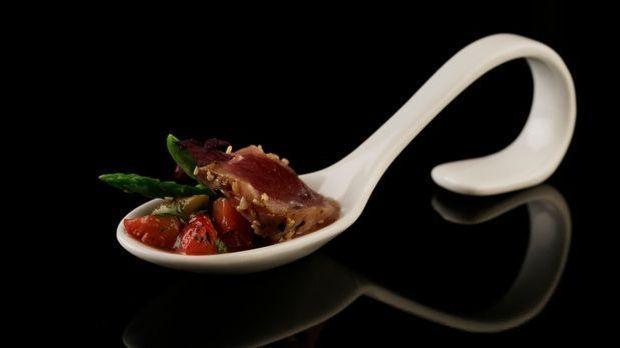 The-Taste-Stf02-Epi01-Yellowfin-Tuna-Carine-Patricio-1-Sat-1-Young-Soo- Chang