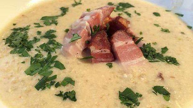 Buttermilchsuppe mit Schweinebauch