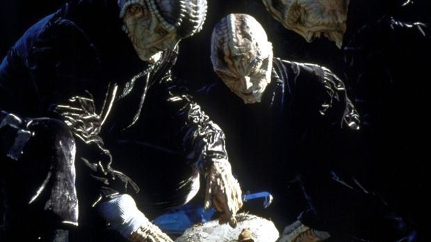 Die außerirdische Rasse der Vorak gräbt nach im Eis konservierten Überresten...