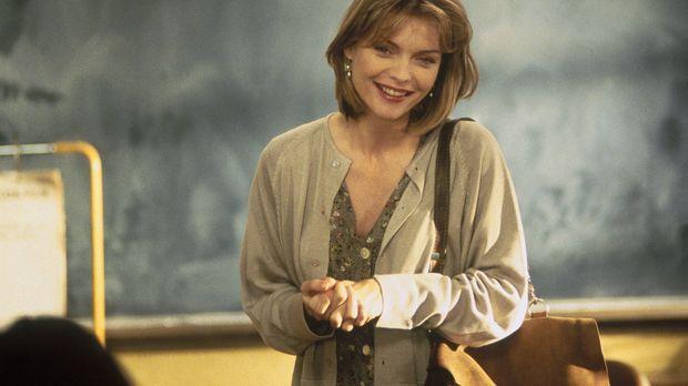 Ex-Marine-Soldatin LouAnne Johnson (Michelle Pfeiffer) steht vor ihrem schwer...