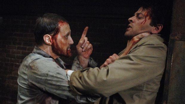 Jemand hat Luzifers Schwert gefunden - und tötet damit Engel. Castiel (Misha...