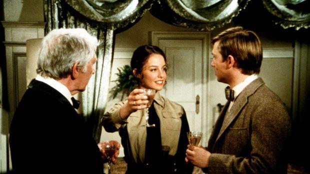 Selina Linville (Kathleen Quinlan, M.) berichtet dem Colonel (Eduard Franz, l...