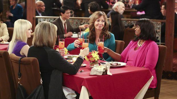 Die Fürsprache, die Christy (Anna Faris, l.) und Bonnie (Allison Janney, 2.v....